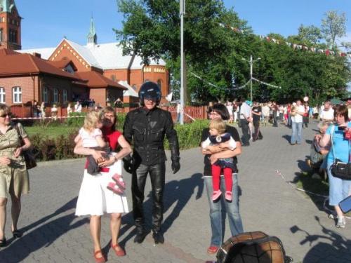 http://images46.fotosik.pl/131/9da195bff645e703med.jpg