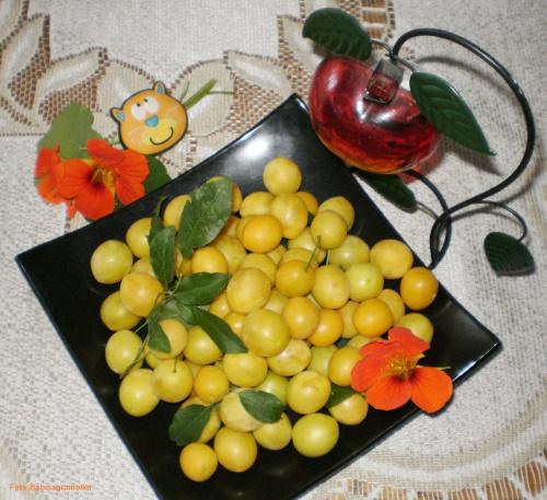 Śliweczki .. Przepisy do zdjęć zawartych w albumie można odszukać na forum GarKulinar . Tu jest link http://garkulinar.jun.pl/index.php Zapraszam. #śliweczki #owoce #desery #jedzenie #obiad #kulinaria #przepisy