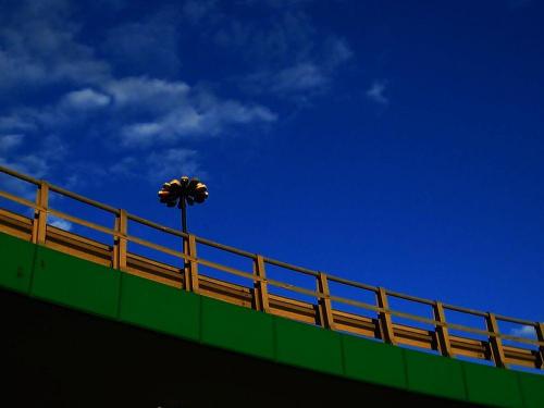 Zawijas drogowy #Warszawa #SaskaKępa #MostŁazienkowski #ślimak #niebo