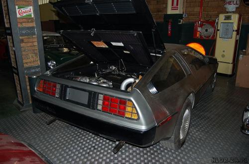 DeLorean DMC12