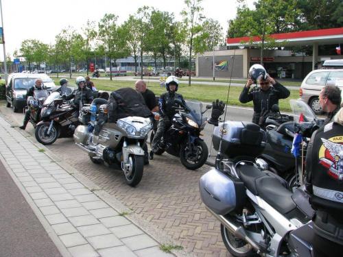 Przed cmentarzem Etteseeban w Bredzie #RajdMaczka #GenerałMaczek